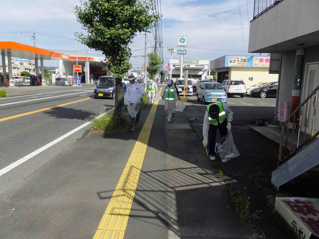 道路ふれあい月間 清掃活動